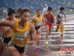 郑妮娜力获田径女子七项全能冠军